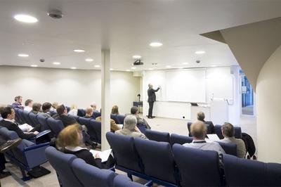 Auditorium - iht. retningslinjer om en meters avstand